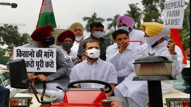 Rahul Gandhi reached Parliament driving tractor