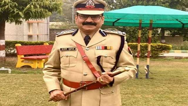 UP DIG Sanjeev Shukla suspend question transfer